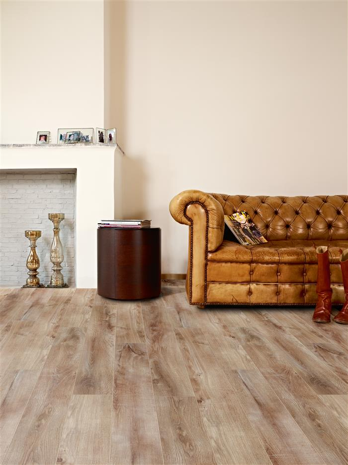 Hardwood Flooring Alternatives: Vinyl Plank & Laminate at Carpet Superstores Saskatoon