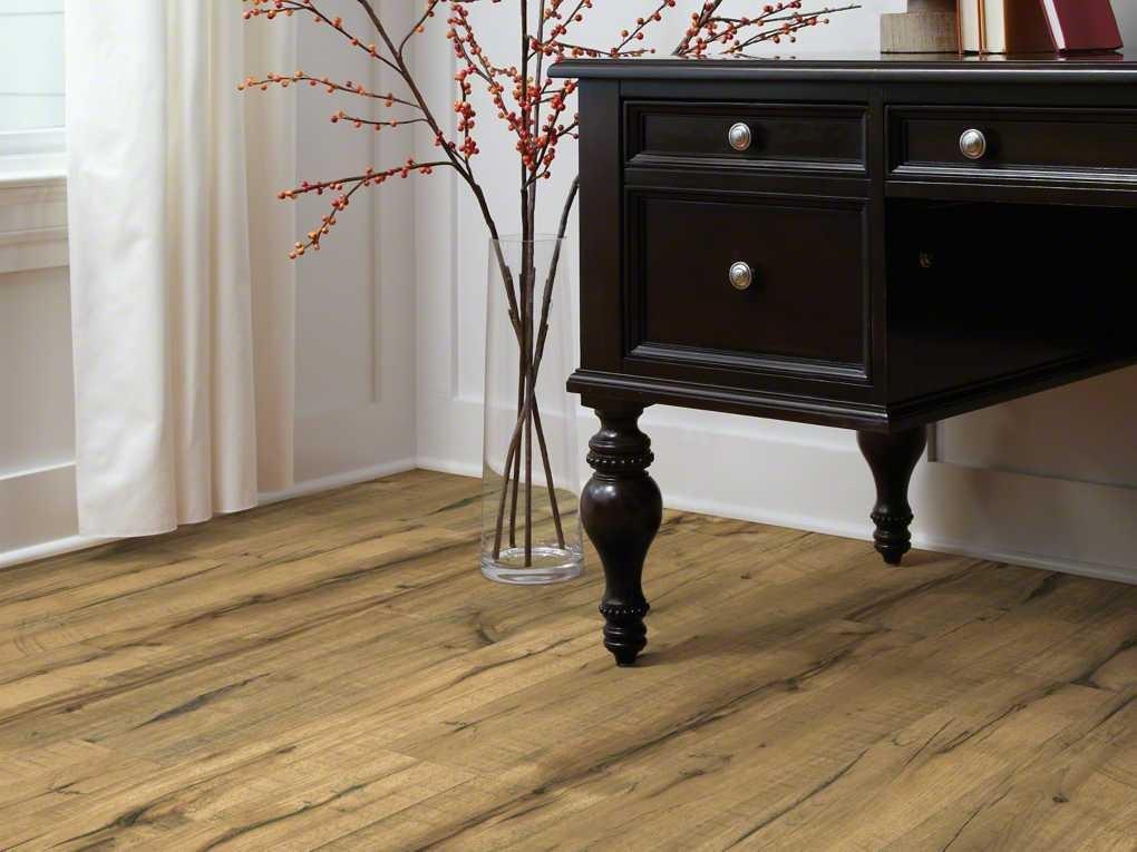 Diys Made Easy With Shaw Laminate Flooring